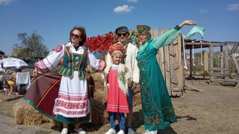 с праздником – Днём народного единства!